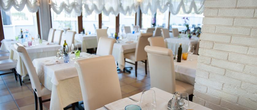 hotel-italia-garda-restaurant-2.jpg